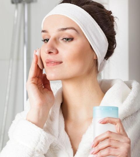 woman-removing-face-makeup
